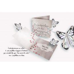 Papillon volant avec carte d'annonce