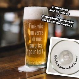 Verre à bière message caché