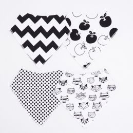 Bavoir / bandana triangle stylé noir et blanc