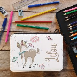 Trousse remplie crayons...